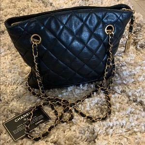 CHANEL lamb black quilt chain shoulder bag